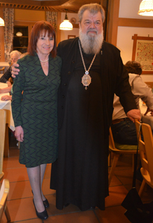 Vereinsvorsitzende Ursula Honeck und Erzbischof Nicodim